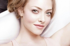 Amanda-Seyfried-Fair-Skin-American