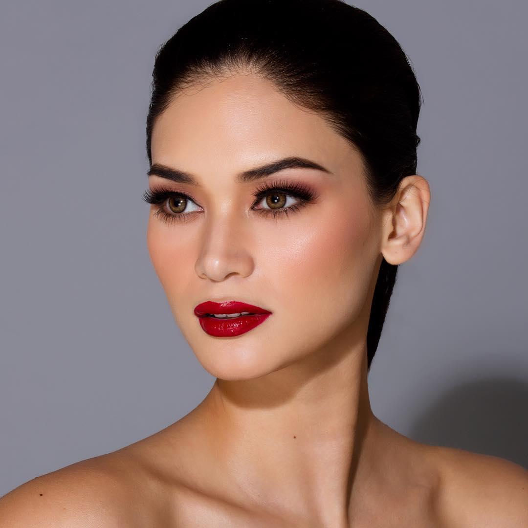 Glamorous Look Pia Wurtzbach - Miss Universe2015