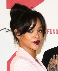 Rihanna Wears MAC Dark Side